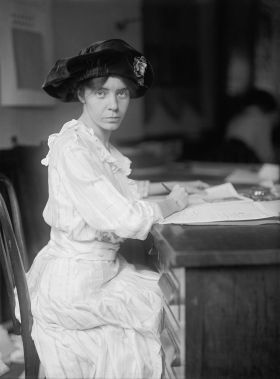 alice_paul_1915_by_harris__ewing